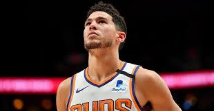 Devin Booker è stato nominato per un All-Star, ma i Phoenix Suns sono caduti negli Charlotte Hornets